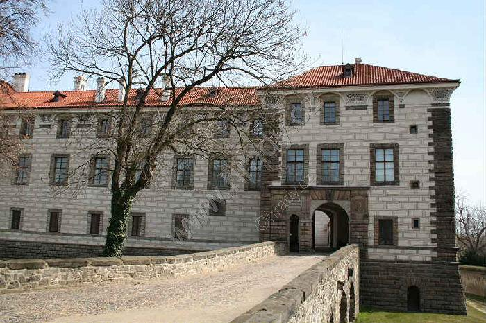 Nelahozeves (zámek)