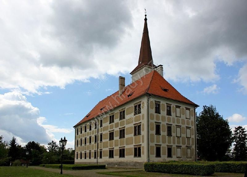 Chropyně (zámek)