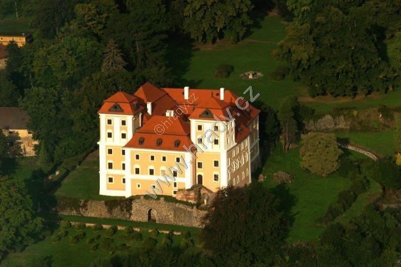 Valeč (zámek)