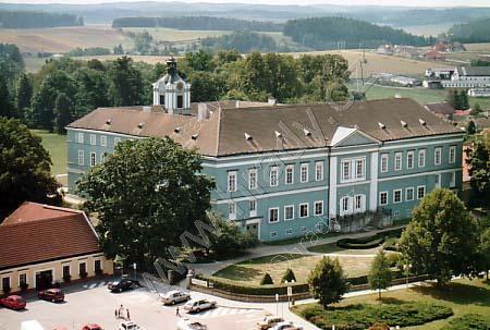 Dačice (zámek)