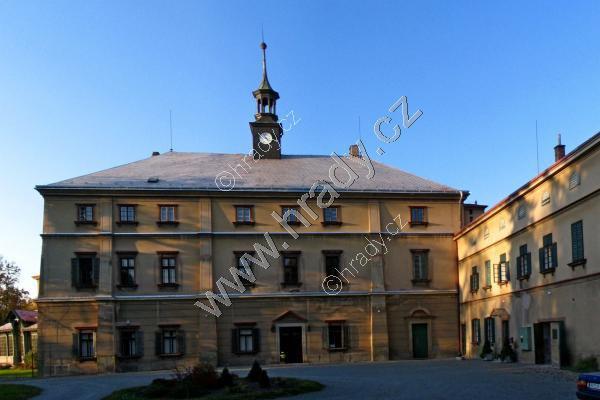 Kvasiny (zámek)