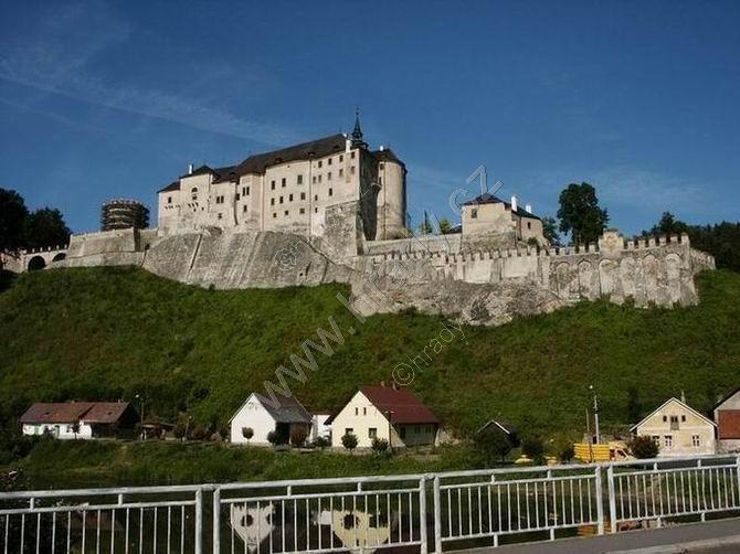 Český Šternberk (raně gotický hrad)