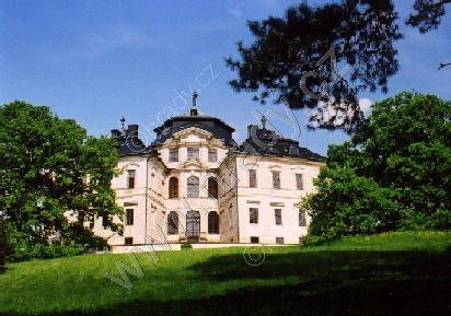 Karlova Koruna (zámek)