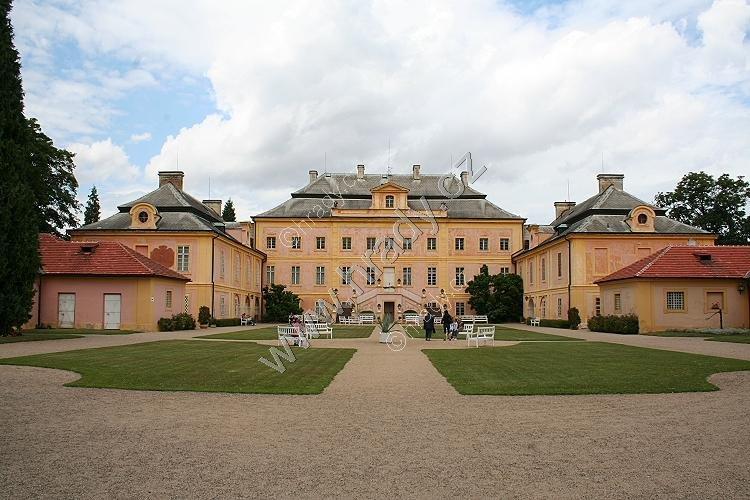 Krásný Dvůr u Podbořan (zámek)