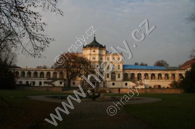 Ploskovice (zámek)