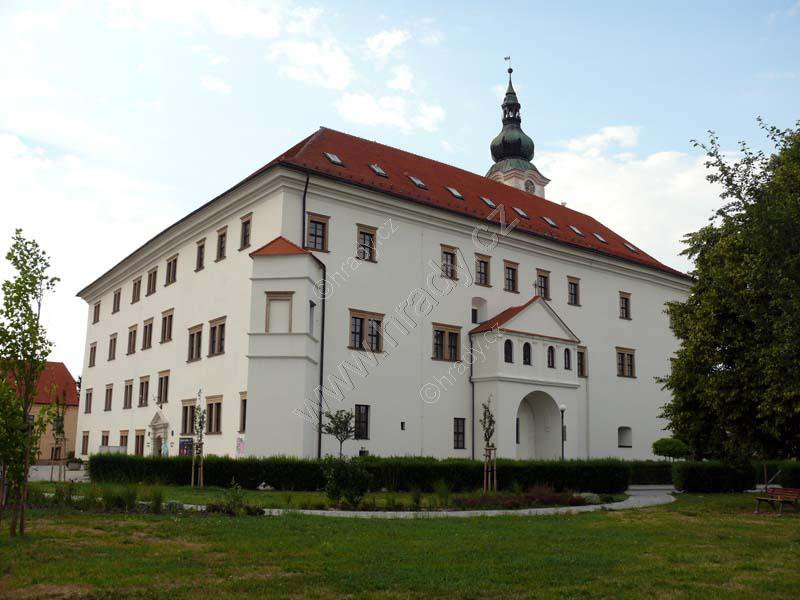 Uherský Ostroh (zámek)